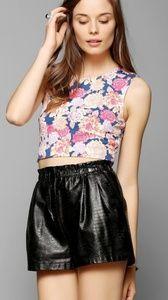 UO Mink Pink | Floral Frenzy Crop Top S
